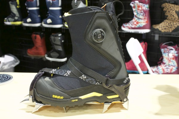 Jeremy Jones (Big Mountain) is on 32 Boots now and this is his promodel. Don't expect to see anything else like this from other companies.